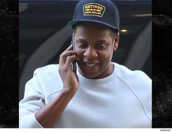 1005-jay-z-in-nyc-retired-drug-dealer-hat-akm-gsi-3